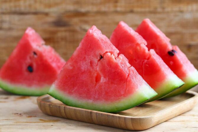 A refreshing recipe for cubes of water melon with Mozzarella and mint