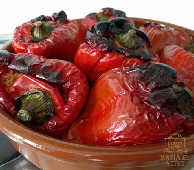 Peppers stuffed with rice (bajoques farcides)