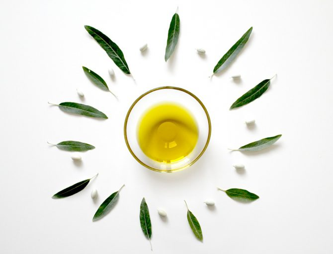 All the reasons for consuming the best olive oil raw