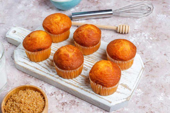 Recipe for vegan orange cupcakes